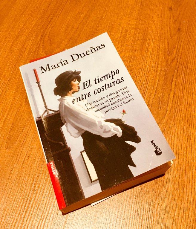 Libro El tiempo entre costuras de María Dueñas
