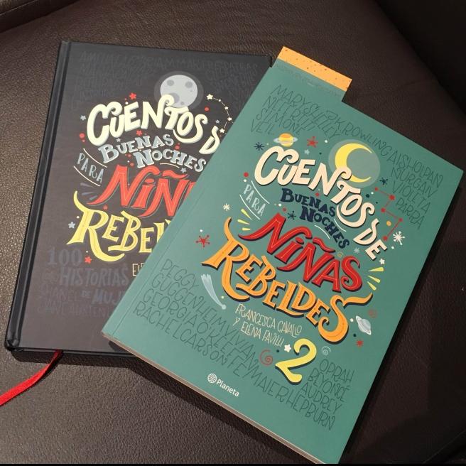 Portadas de los libros Cuentos de buenas noches para niñas rebeldes 1 y 2. ( Foto: Sandra Ramírez Checnes)
